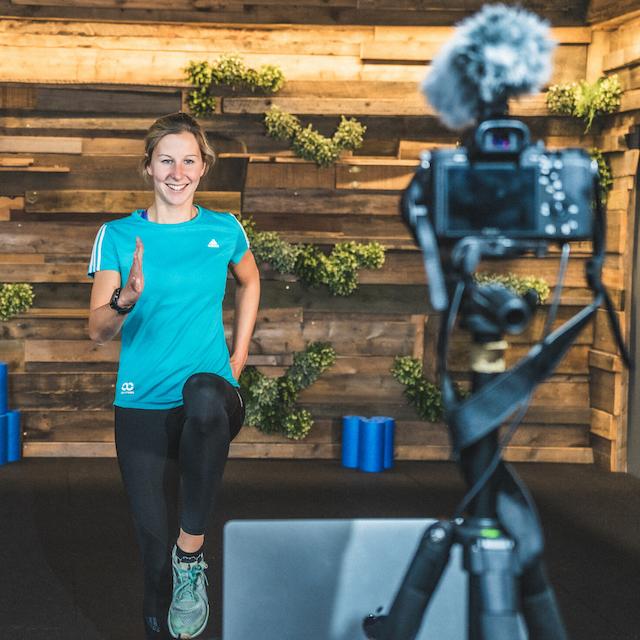 Online Fitness Bootcamp mit Jasmin